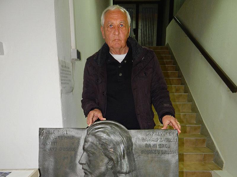 Poprsje Branka Radičevića u Slavonskom Brodu