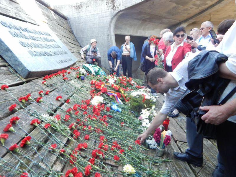 Polaganje karanfila Jasenovac 2018.