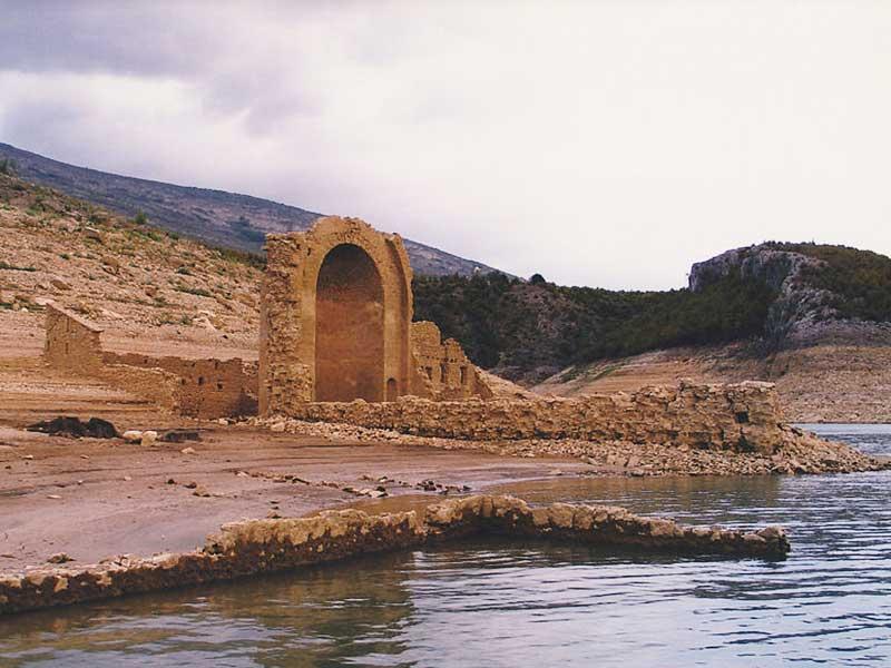 Potopljen Manastir Dragović