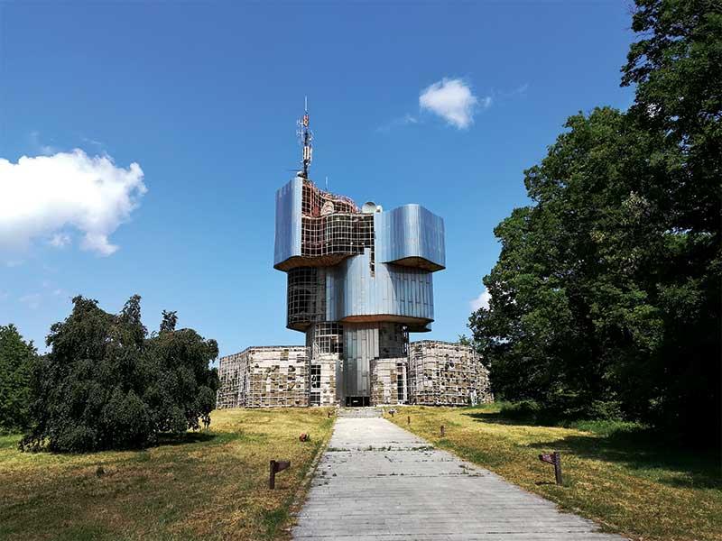 Petrova Gora spomenik