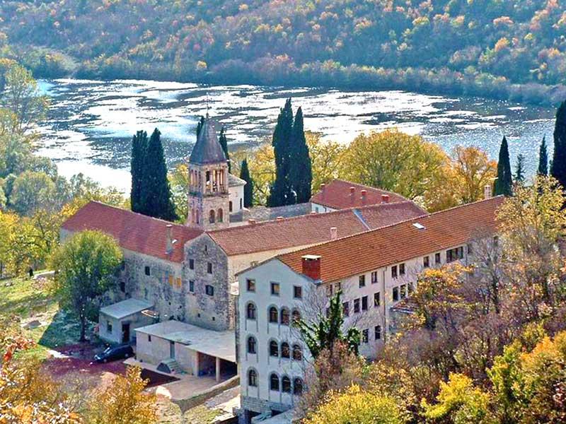 Manastir Krka: Ukras i ponos pravoslavne Dalmacije