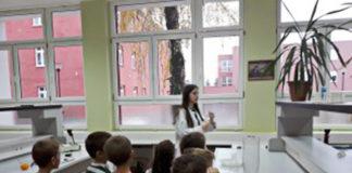 """Dečiji vrtić """"Zlatokosa"""" poseta tehničkoj školi Nikola Tesla borovo naselje vukovar"""