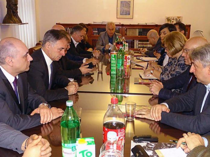 Ministar kulture Republike Srbije Vladan Vukosavljević boravio je u Zagrebu gde se sastao sa srpskim predstavnicima, ali i ministarkom kulture Hrvatske te zagrebačkim gradonačelnikom.