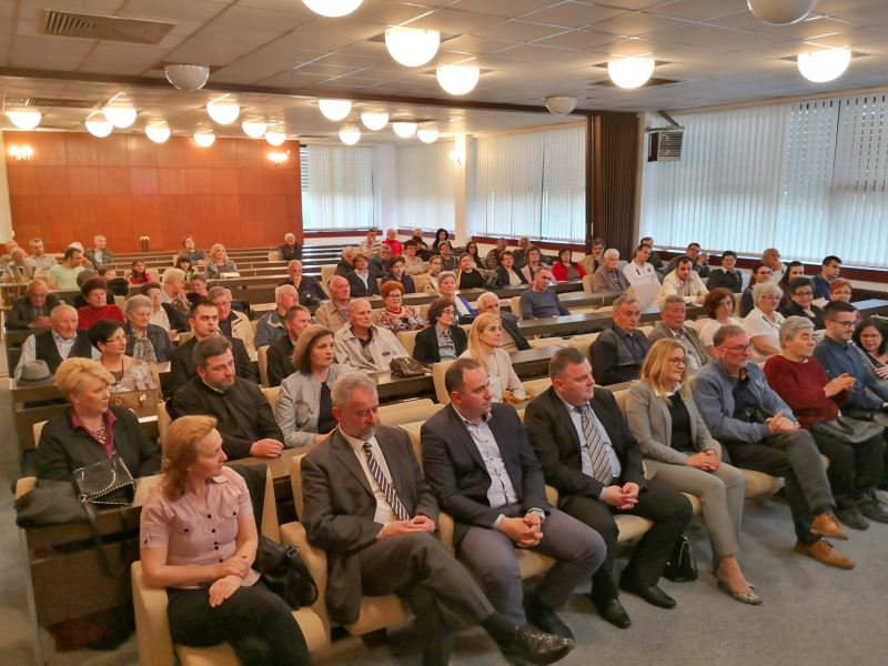 Promocija knjige Narodni običaji Srba u Baranji publika