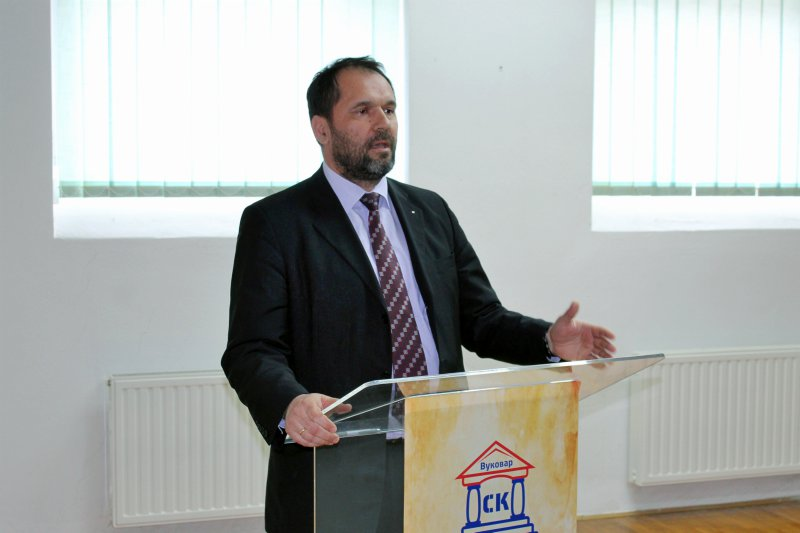 sekretar Ministarstva kulture i informisanja Republike Srbije Igor Jovičić Biblioteka Vukovar