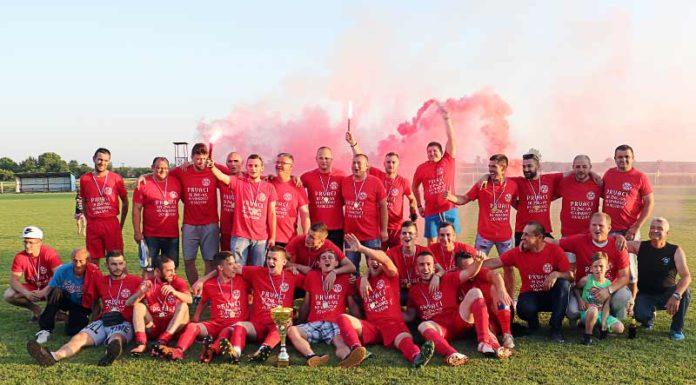 FK Hajduk Mirko proslava titule