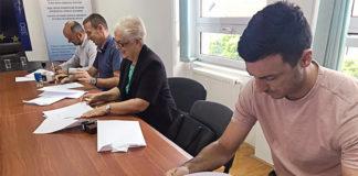 U Vukovaru su 10. jula potpisani ugovori o dodeli finansijkih sredstava za kapitalne investicije na području delovanja srpske zajednice u Vukovarsko–sremskoj županiji.