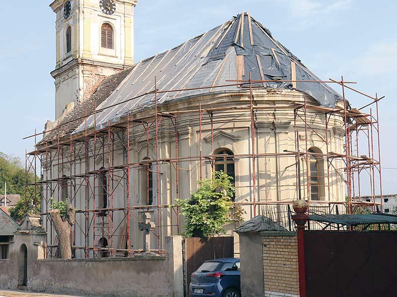 Crkva svetih arhangela Mihaila i Gavrila u Šarengradu