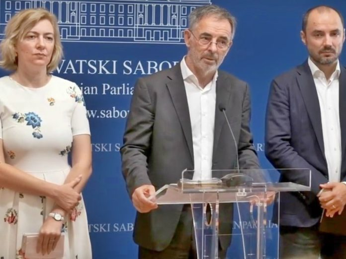 Konferencija SDDS napad na Srbe u Kninu
