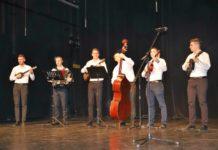 "Tamburaška banda ""Pero"" iz Novog Sada smotra malih tamburaških orkestara"