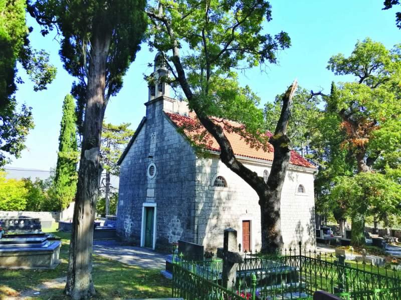 Groblje u Dicmu splitski srbi pravoslavni srbi