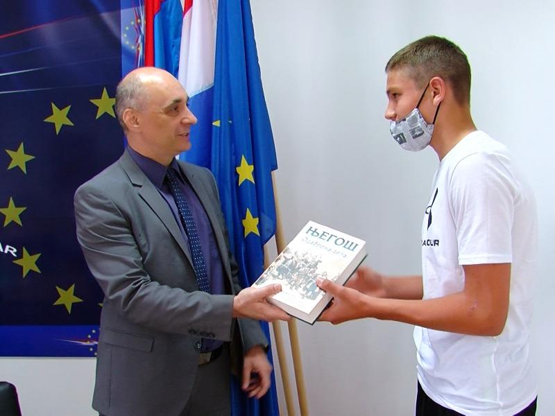 Nagrađeni učenici zvo školska takmičenja marko vukelić srđan jeremić
